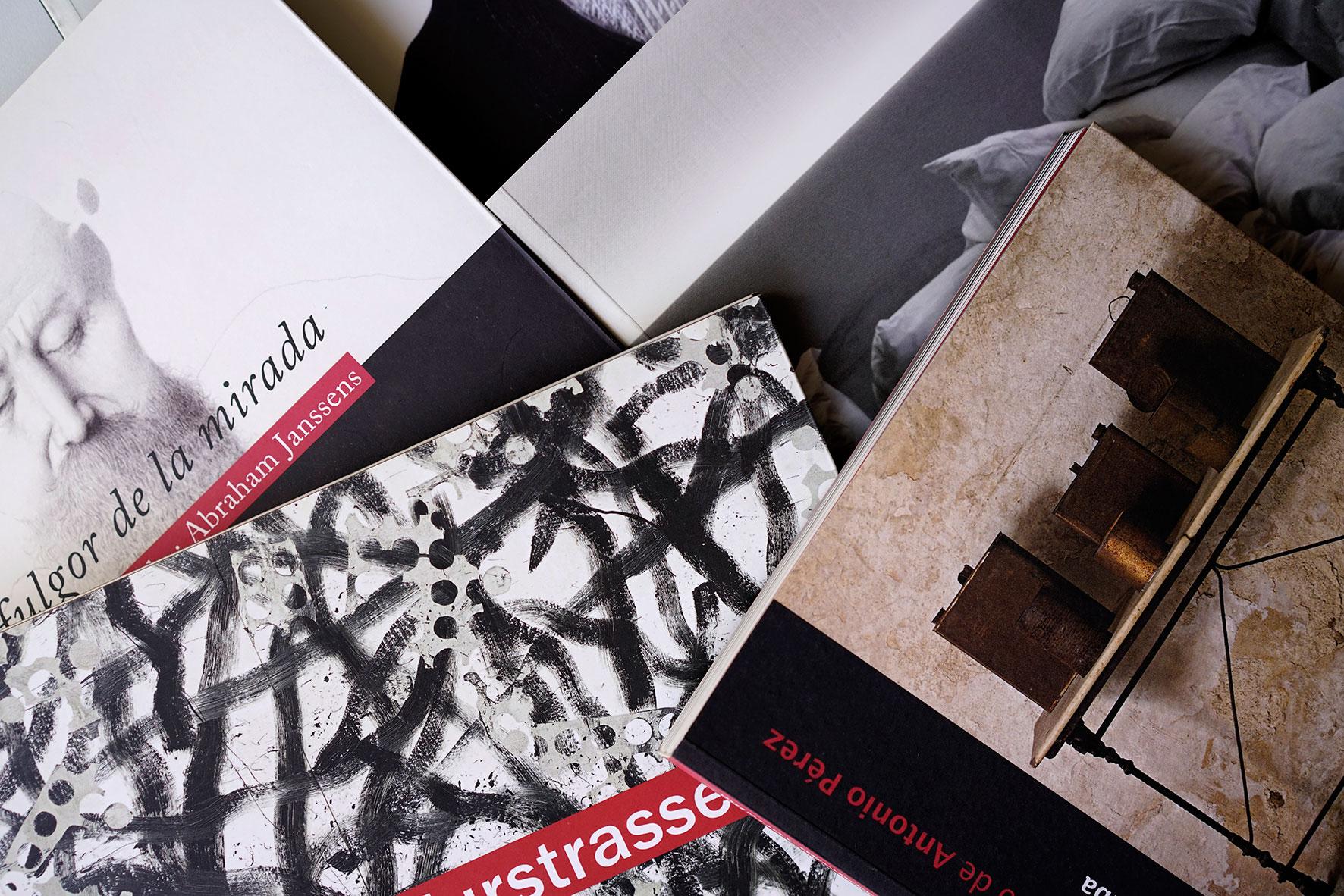 Diseño-Gráficas-Exposicones-Antonio-Pérez-Isabel-Tallos-Alfredo-Castañeda